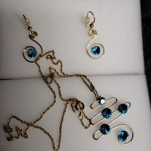 Handmade jewelry set.